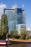 L'edificio per uffici a Amsterdam fotografie stock