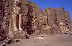 L'Egypte : DES de Tempel de patrimoine mondial de l'UNESCO Amun-re dans Karnak près de Louxor images stock