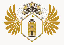L'emblème chic fait avec l'aigle s'envole la décoration, fortres médiévaux Photo libre de droits