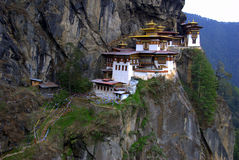 L'emboîtement Bhutan du tigre Photographie stock libre de droits