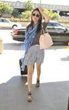 l'Emmy Rossum d'actrice est vu à l'aéroport de LAX Photographie stock