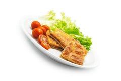 L'empanada espagnol fait maison a rempli des thons et de poivron rouge Photographie stock libre de droits