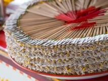L'encens étonnant Bouddha a été placé dans un beau cercle Image stock