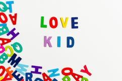 L'enfant d'amour de Word marque avec des lettres l'alphabet Images libres de droits