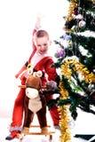 L'enfant dans un costume du gnome de Noël Image libre de droits