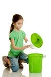 L'enfant projette le papier Photos libres de droits