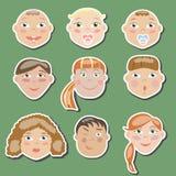 L'ensemble d'enfants de différents âges images stock