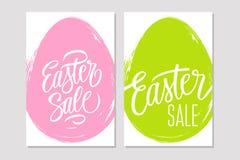 L'ensemble d'insectes de vente de Pâques avec les éléments et la course manuscrits de brosse egg le fond de forme Photos stock