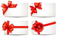 L'ensemble de belles cartes cadeaux avec le cadeau rouge cintre l'esprit illustration libre de droits
