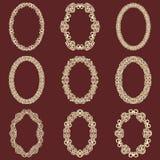 L'ensemble de cadres ovales de vintage a isolé le fond Dirigez les éléments de conception qui peuvent être coupés avec un laser U Image stock