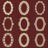 L'ensemble de cadres ovales de vintage a isolé le fond Dirigez les éléments de conception qui peuvent être coupés avec un laser U illustration libre de droits