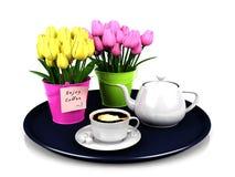 L'ensemble de café avec la décoration fleurit dans le plat rond Image libre de droits
