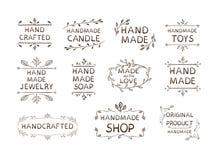 L'ensemble de labels différent fabriqué à la main, illustration de VECTEUR, gribouillent le fond floral de cadres illustration de vecteur