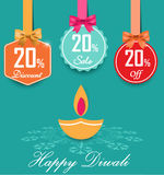 L'ensemble de labels plats de couleur de vente et de remise de 20% avec des arcs et des étiquettes de vente de style de rubans co Image stock