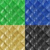 L'ensemble de modèles sans couture en cuir/or, vert, bleu, noir peut Photographie stock libre de droits
