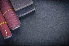 L'ensemble de ponçage éponge des outils d'abrasif de papier d'émeris Images stock