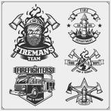 L'ensemble de sapeur-pompier symbolise, des labels et des éléments de conception illustration stock