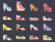 L'ensemble de style tiré par la main de vecteur plat de conception des chaussures des femmes de cuir a coloré l'illustration de c illustration stock