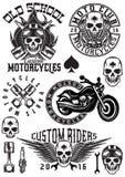 L'ensemble de vecteur badges, les logos, éléments de conception sur des motos de thème avec des crânes Photographie stock