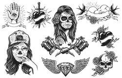 L'ensemble de vintage tatoue des compositions illustration de vecteur