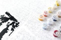 L'ensemble et la toile de couleur de peinture de nombre sont prêts à employer Photos stock
