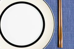 L'ensemble général de dîner et de déjeuner avec la côtelette collent Images libres de droits