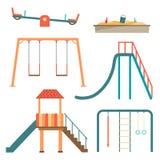 L'ensemble plat de bande dessinée de terrain de jeu d'enfants avec des carrousels d'oscillation glisse Photographie stock libre de droits