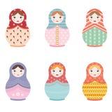 L'ensemble russe de poupée de Matryoshka de six a isolé des icônes - illustration plate de vecteur de style Image stock