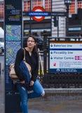 L'entrée célèbre de souterrain au cirque Londres de Piccadilly - populaire pour une séance photos Images stock