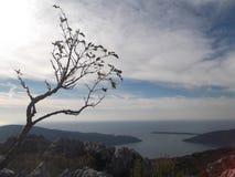 L'entrée de baie de Boka et la Mer Adriatique Photo stock