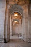 L'entrée de la bibliothèque de New York Images libres de droits