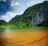 L'entrée de la caverne de Phong Nha Image libre de droits