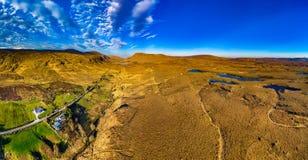 L'entrée du sud dans le parc national de Glenveagh est un vrai comté de Gem caché le Donegal, Irlande photographie stock libre de droits