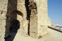 L'entrata alla fortezza medievale sull'isola di Rodi in Grecia Fotografia Stock Libera da Diritti