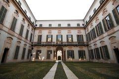 L'entrata del palazzo Immagini Stock
