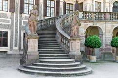 L'entrata di fronte al castello favorito Fotografia Stock Libera da Diritti