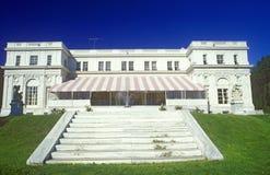 L'entrata fa un passo per elaborare palazzo, Newport, RI fotografia stock