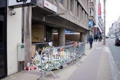 L'entrata nella stazione della metropolitana del Maelbeek di Bruxelles in cui un attacco terroristico ha avuto luogo il 22 marzo  Immagini Stock Libere da Diritti