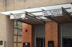L'entrata, simbolica, museo Tom Wurl di apartheid fotografia stock libera da diritti