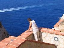 L'escalier au-dessus de la mer photo libre de droits