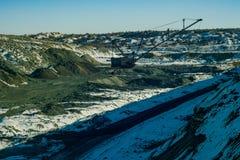 L'escavatore di camminata produce il minerale metallifero del manganese Fotografie Stock Libere da Diritti