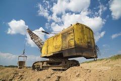 L'escavatore produce l'argilla Fotografia Stock Libera da Diritti