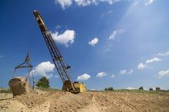 L'escavatore produce l'argilla Immagini Stock Libere da Diritti