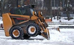 L'escavatore rimuove la neve Fotografie Stock