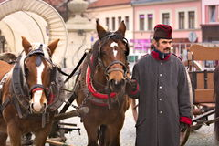 L'esercito in Vyskov - scudiero del millefoglie di parata con i cavalli Fotografie Stock