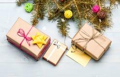 L'espace actuel de copie d'étiquette de boîte et de cadeau Horaire d'hiver et concept de vacances de Noël Comment soyez prêt pour photographie stock libre de droits