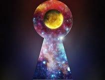 L'espace avec la planète dans le trou de la serrure Photo libre de droits