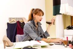 L'espace créatif de mode Blogger de mode au travail Frais généraux des bases pour la personne moderne Photo libre de droits