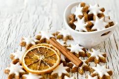 L'espace de copie de biscuits d'étoile de Noël blanc Images stock