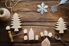 L'espace de copie pour le texte sur la table en bois sur le thème de Noël Configuration plate photographie stock